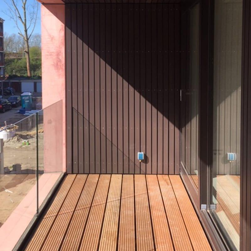 balkons voorzien van vlonders